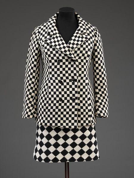 フォール・アンド・タフィン : スカート・スーツ ジャケット・スーツ 1964年